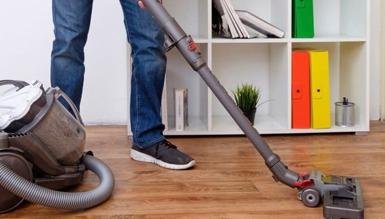 Comparing The Best Vacuum Cleaners For Laminate Floors